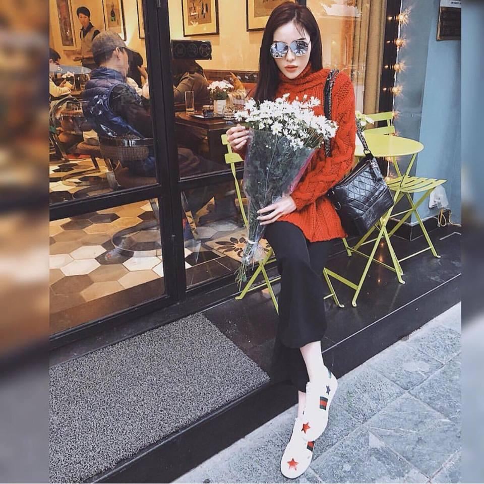 Angela Phương Trinh diện đồ bó sát khoe hông quả táo nổi bật nhất street style sao Việt tuần này-7