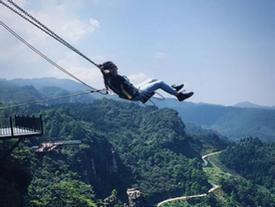 Thử độ liều với các trò chơi siêu mạo hiểm tại công viên tọa lạc trên núi cao