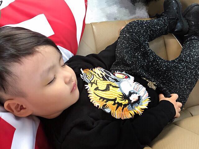 Hot girl - hot boy Việt 1/12: Tâm Tít khoe khoảnh khắc đáng yêu của con trai khi ngủ-4