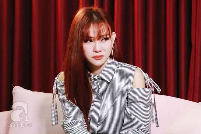 Lần đầu thừa nhận đã ly hôn chồng đại gia, Thu Thủy nóng nhất showbiz Việt tuần qua-1