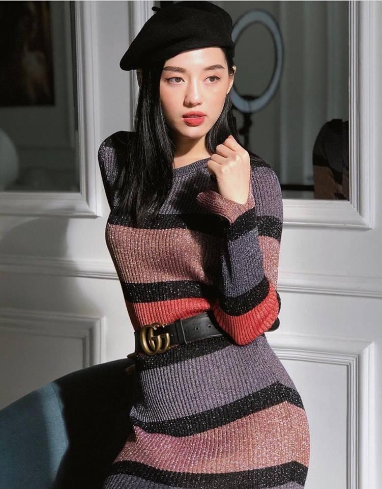 Thúy Vi váy hồng trẻ trung - Quỳnh Anh Shyn lên đồ công sở đẹp nhất street style tuần này-7