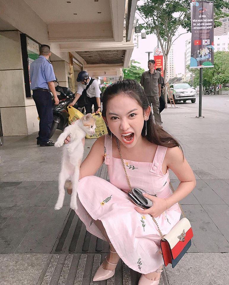 Thúy Vi váy hồng trẻ trung - Quỳnh Anh Shyn lên đồ công sở đẹp nhất street style tuần này-4