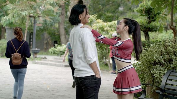 Glee: Bất chấp Hòa Minzy gạ gẫm quan hệ, Rocker Nguyễn vẫn chung thủy với Cindy V-4