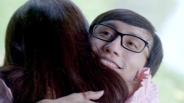 Glee: Bất chấp Hòa Minzy gạ gẫm quan hệ, Rocker Nguyễn vẫn chung thủy với Cindy V-12