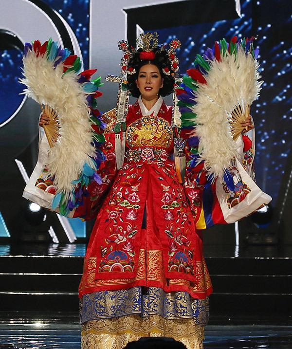 Vừa đăng quang, Miss Supranational 2017 đã bị chê kém sắc ngang ngửa Miss Earth-9