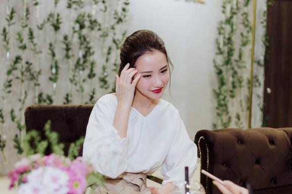 Hot girl - hot boy Việt 2/12: Hạnh Sino hé lộ ảnh giường chiếu khéo khoe vòng 1 gợi cảm-10