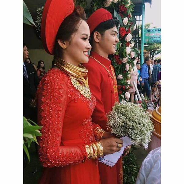 Cô dâu vàng đeo trĩu cổ chia sẻ chuyện riêng tư sau đám cưới đình đám về độ chịu chơi-2