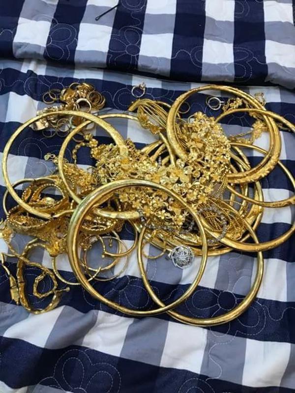 Cô dâu vàng đeo trĩu cổ chia sẻ chuyện riêng tư sau đám cưới đình đám về độ chịu chơi-6