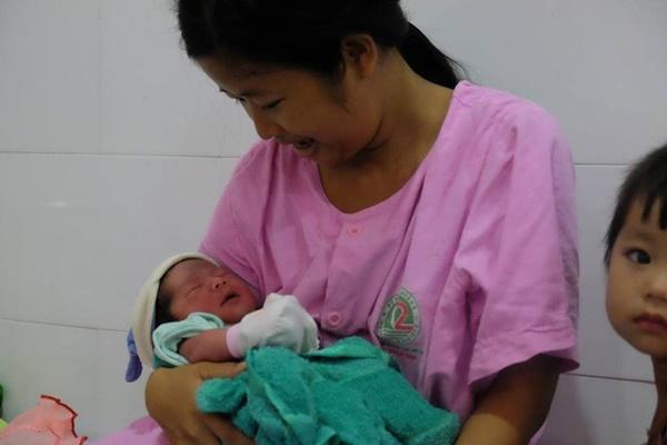 TP.HCM: Chồng đi làm không về, sản phụ đẻ rớt con trong hố nước nhà vệ sinh lúc nửa đêm-5