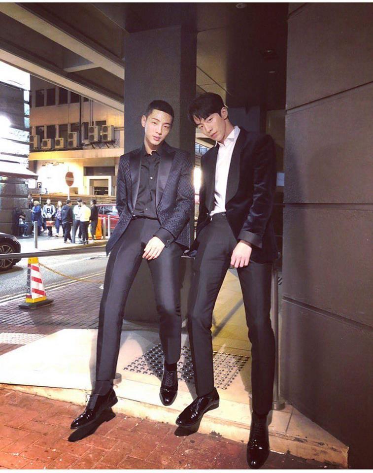 Tin sao Hàn: Go Ara chủ động trao Song Seung Hun nụ hôn ngọt ngào-9