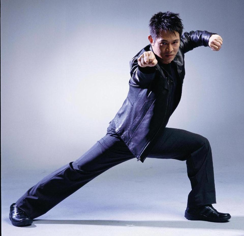 Hong Kong 1990: Thành Long vác lựu đạn, quản lý Lý Liên Kiệt bị giết-5