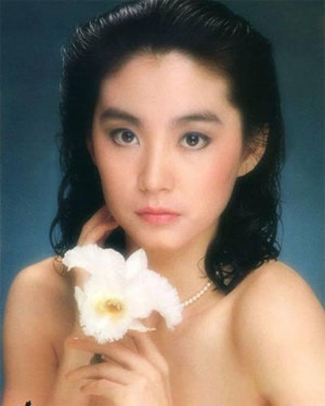 Hong Kong 1990: Thành Long vác lựu đạn, quản lý Lý Liên Kiệt bị giết-9