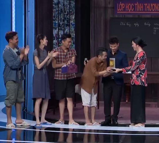 Ơn giời cậu đây rồi: Cười rách miệng xem Trấn Thành giả Lâm Khánh Chi dạy vợ bé-7