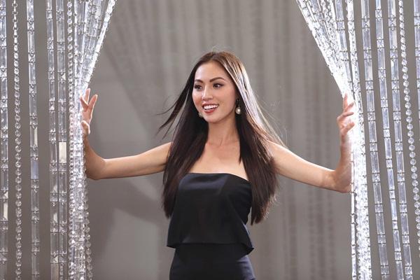 Chết cười nghe Phạm Hương chê thí sinh hoa hậu giống cô gái hái bưởi-9