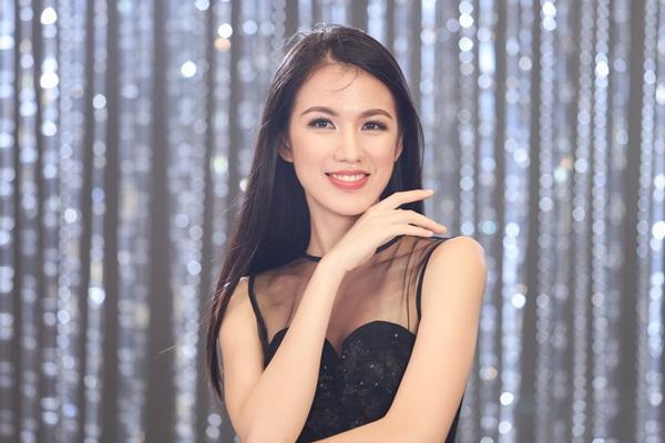 Chết cười nghe Phạm Hương chê thí sinh hoa hậu giống cô gái hái bưởi-12