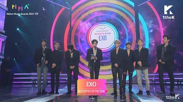 MMA 2017: WINNER ở đâu và EXO đã làm gì để được nhận giải Nghệ sĩ của năm?-2