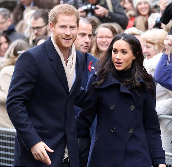 Cách thể hiện tình yêu muốn cả thế giới biết của cặp đôi đang hot nhất nước Anh-2