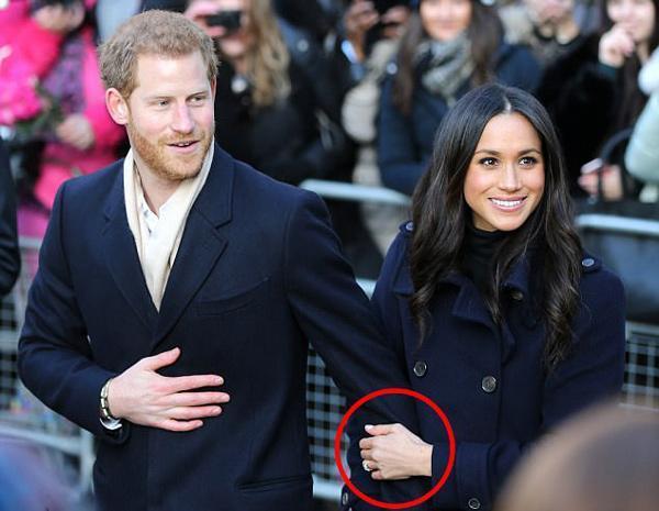 Cách thể hiện tình yêu muốn cả thế giới biết của cặp đôi đang hot nhất nước Anh-6