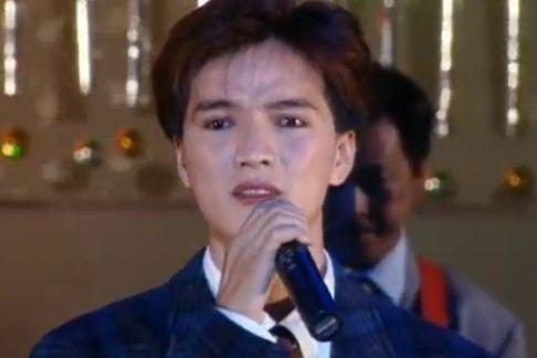 Ông hoàng bà chúa showbiz Việt và chuyện bán đồ lót, hát trên xe tải khởi nghiệp-7