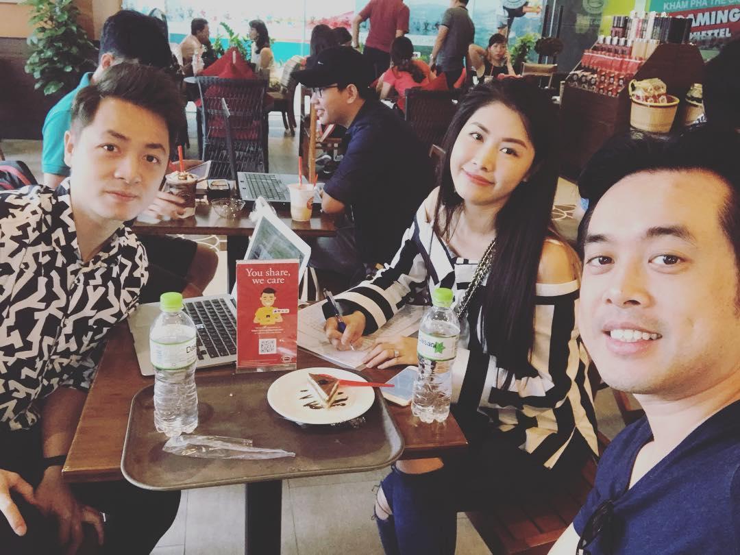 Tin sao Việt: Angela Phương Trinh gây sốc hội chị em khi khoe vòng 3 ngoại cỡ-5