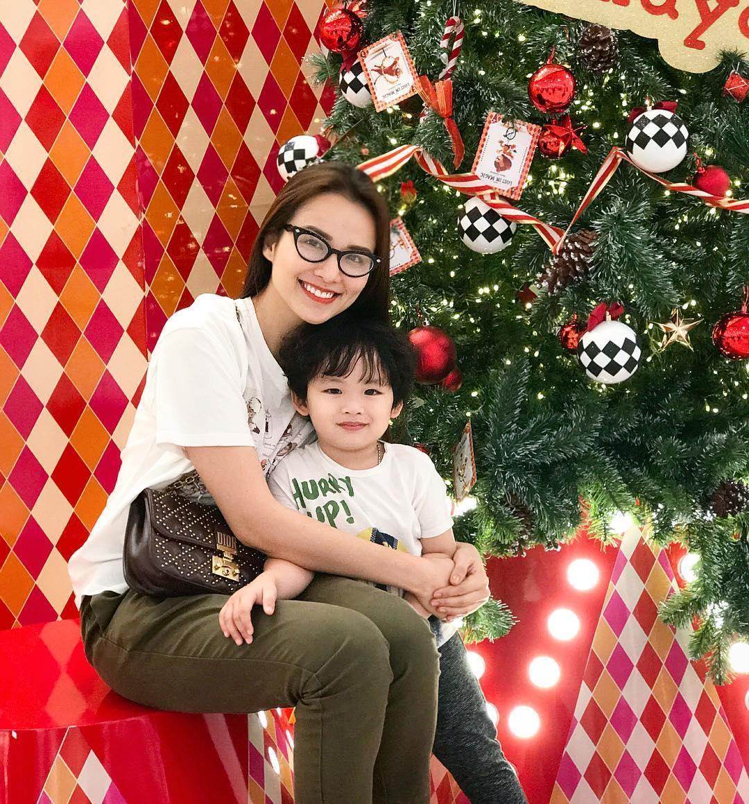 Tin sao Việt: Angela Phương Trinh gây sốc hội chị em khi khoe vòng 3 ngoại cỡ-6