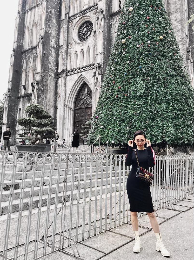 Tin sao Việt: Angela Phương Trinh gây sốc hội chị em khi khoe vòng 3 ngoại cỡ-11