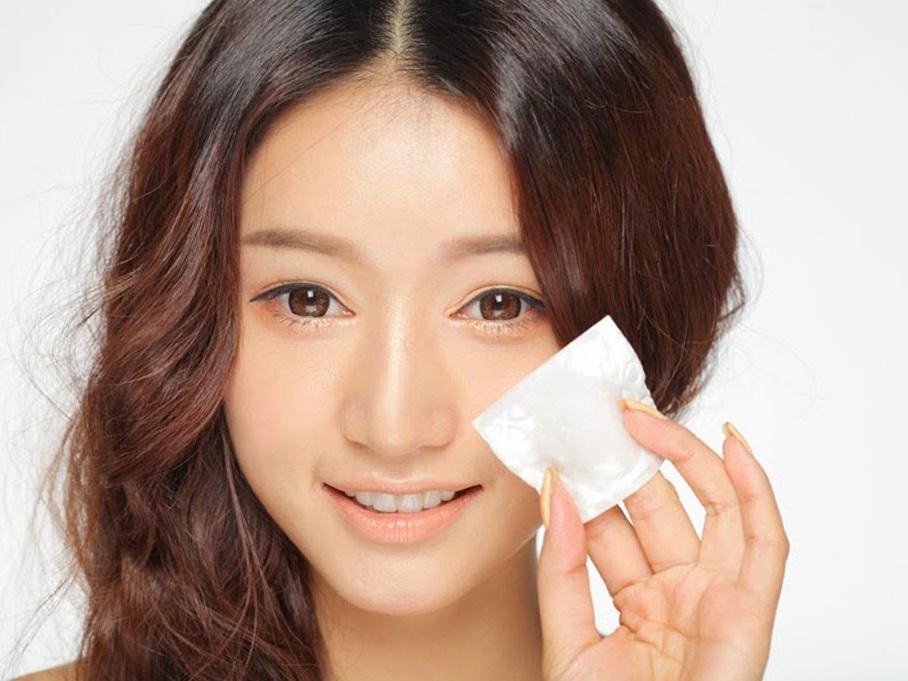 Những thói quen giúp hạn chế tình trạng 'da bóng nhẫy dầu' trên khuôn mặt