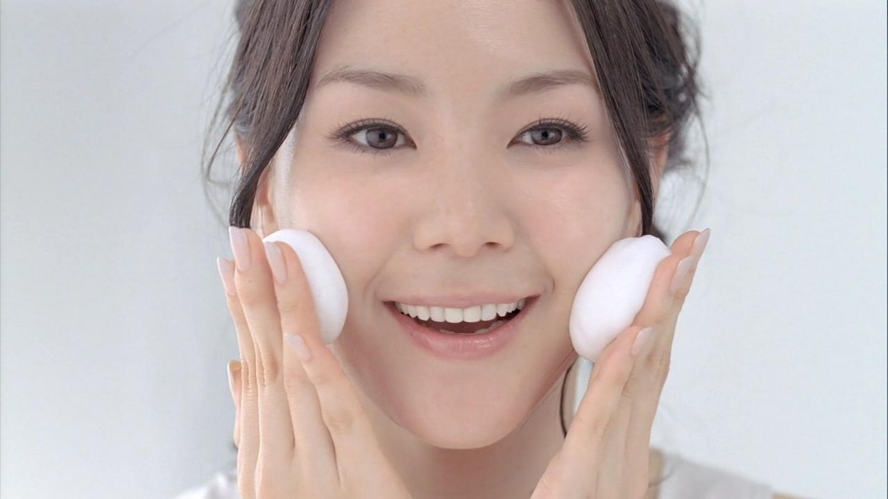 Những thói quen giúp hạn chế tình trạng da bóng nhẫy dầu trên khuôn mặt-2