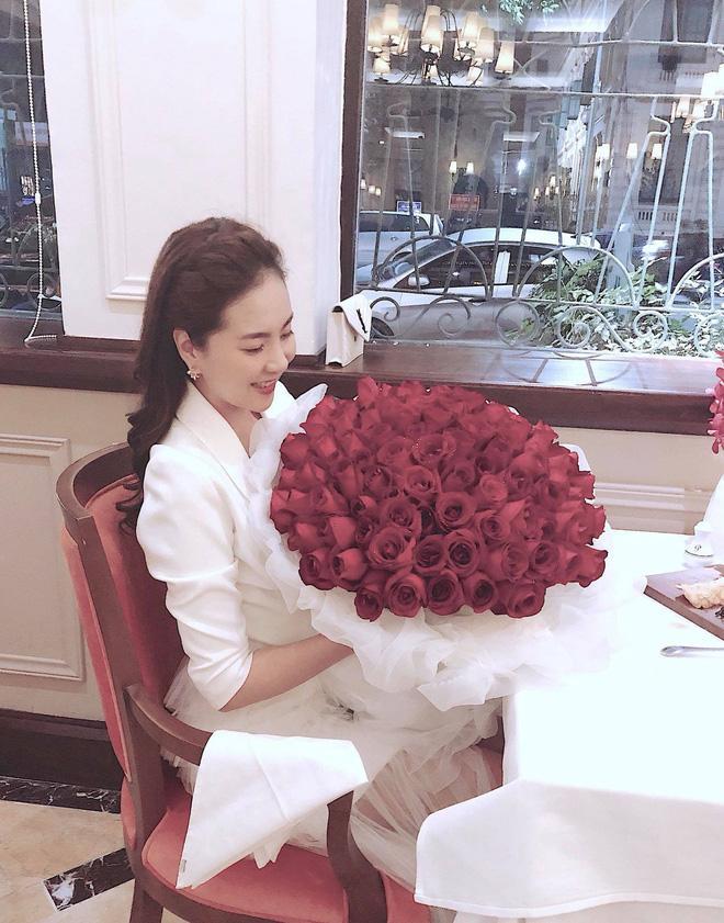 Kỉ niệm 1 năm ngày cưới, 'hot girl thời tiết' Mai Ngọc tung clip đẹp tựa ngôn tình-5