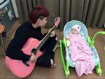 Hot girl - hot boy Việt 5/12: 'Quắt đại ca' chia sẻ cảnh 'gà trống nuôi con' khiến fan thích thú