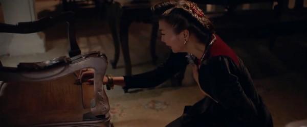 Clip: Dưới Cánh hoa tàn của Hương Tràm, Thanh Hằng khóc ngất sau khi xuống tay giết người tình-1