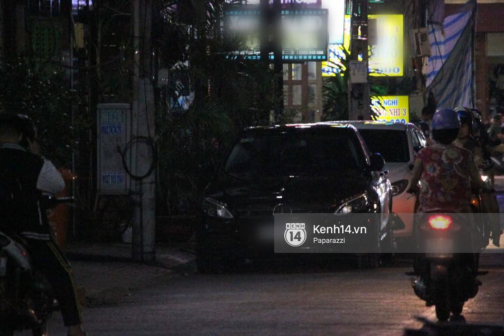 Tim tậu xe hơi mới trong lúc Trương Quỳnh Anh đưa con trai đi học bằng xe máy-4