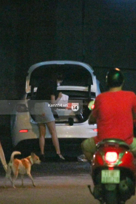 Tim tậu xe hơi mới trong lúc Trương Quỳnh Anh đưa con trai đi học bằng xe máy-8