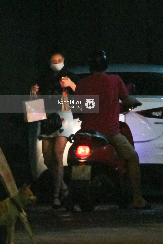 Tim tậu xe hơi mới trong lúc Trương Quỳnh Anh đưa con trai đi học bằng xe máy-9