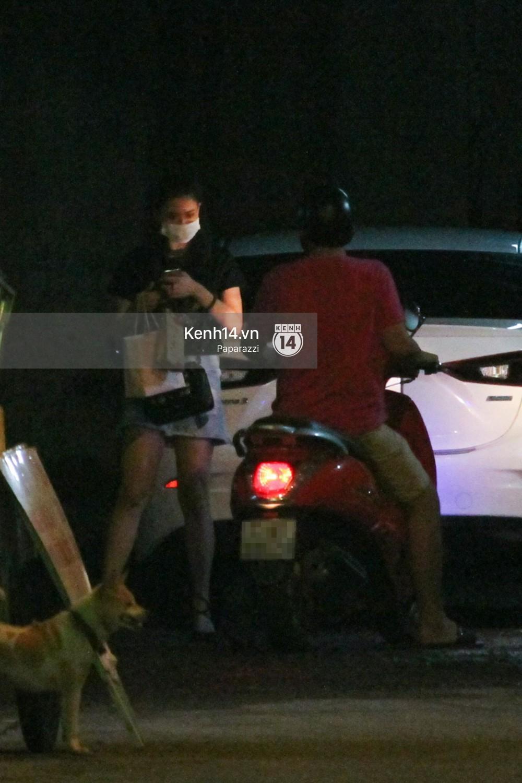 Tim tậu xe hơi mới trong lúc Trương Quỳnh Anh đưa con trai đi học bằng xe máy-10