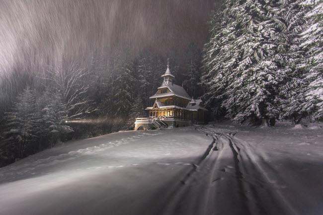 Lạc vào mùa đông kỳ diệu trên núi ở Ba Lan-1