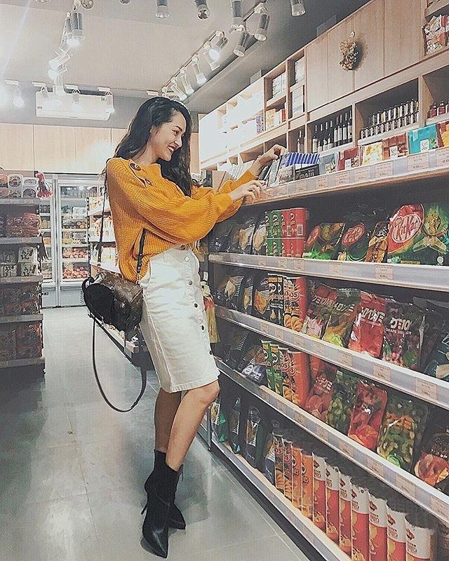 Mẹ chồng Thanh Hằng diện đồ menswear - con dâu Lan Khuê cá tính nổi bật nhất street style-4