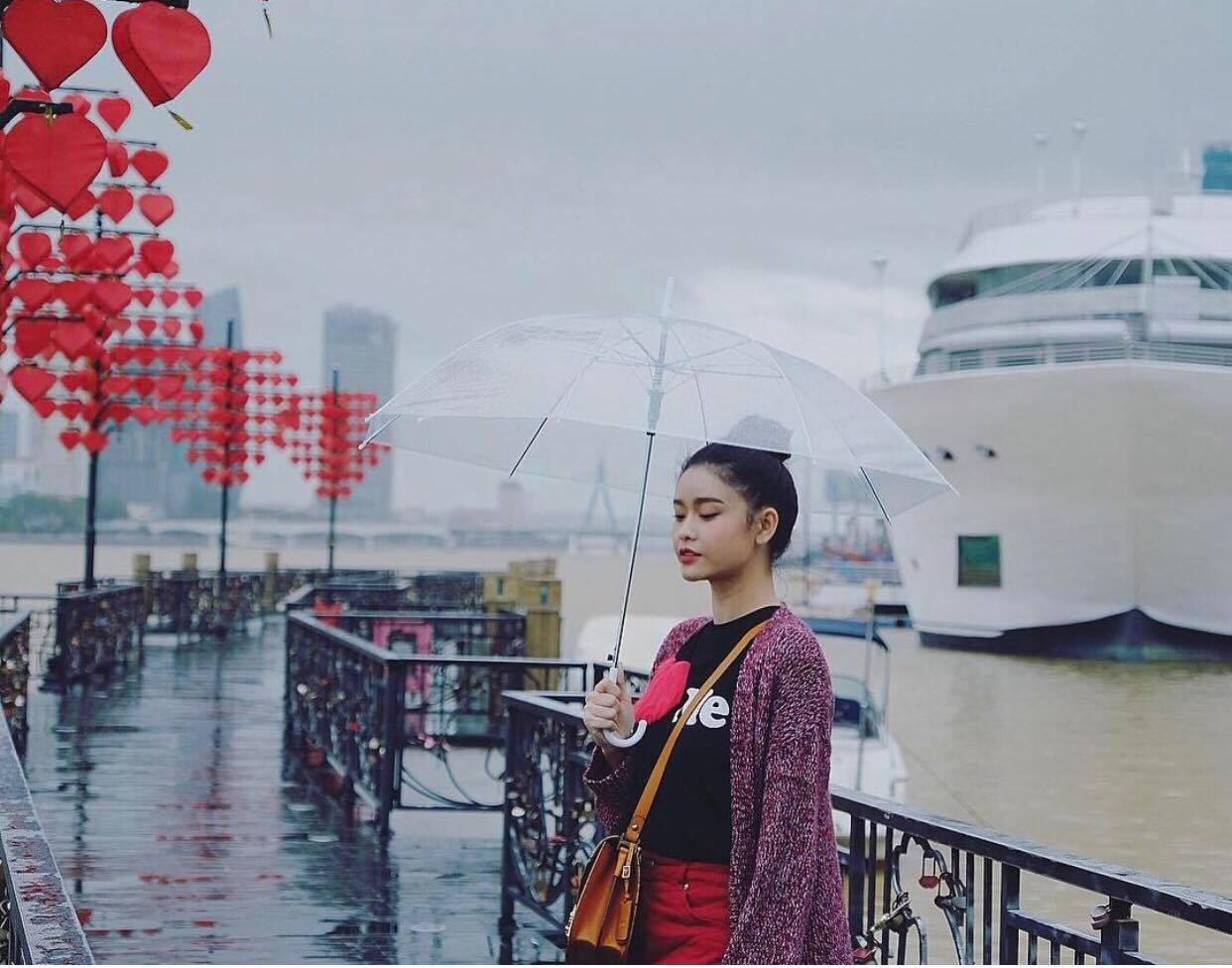 Mẹ chồng Thanh Hằng diện đồ menswear - con dâu Lan Khuê cá tính nổi bật nhất street style-7