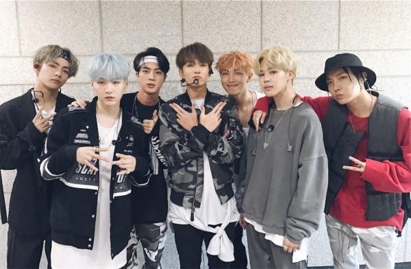 Hậu 'công phá' MAMA và MMA 2017, BTS liên tiếp nhận tin vui cuối năm-6