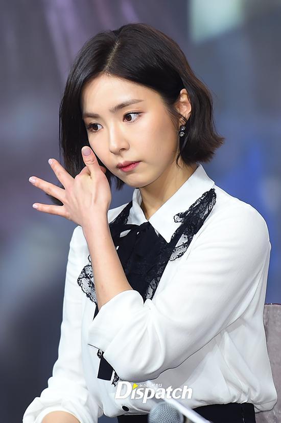Sao Hàn 5/12: Mỹ nhân mặt đơ Shin Se Kyung đẹp không góc chết-1