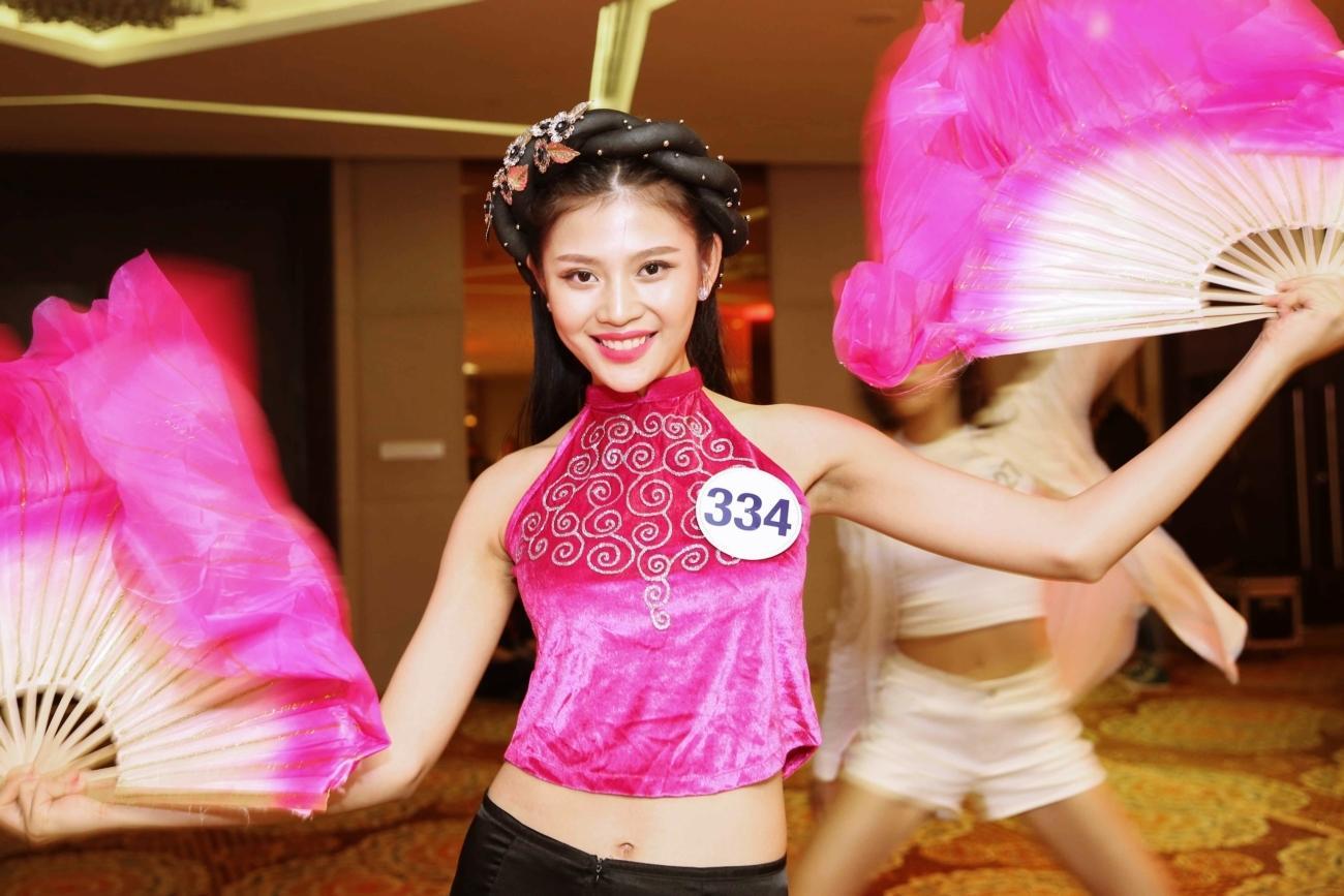 Chúng Huyền Thanh xác nhận bỏ thi Hoa hậu Hoàn vũ Việt Nam 2017-2