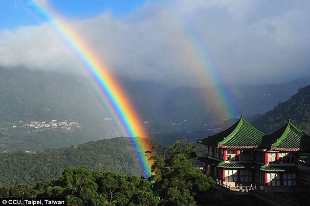 Cầu vồng kỷ lục kéo dài 9 giờ tại Đài Loan-3