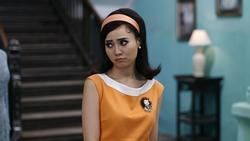 Doanh thu 'Cô Ba Sài Gòn' mới đạt 60 tỷ, Ninh Dương Lan Ngọc có buồn không?