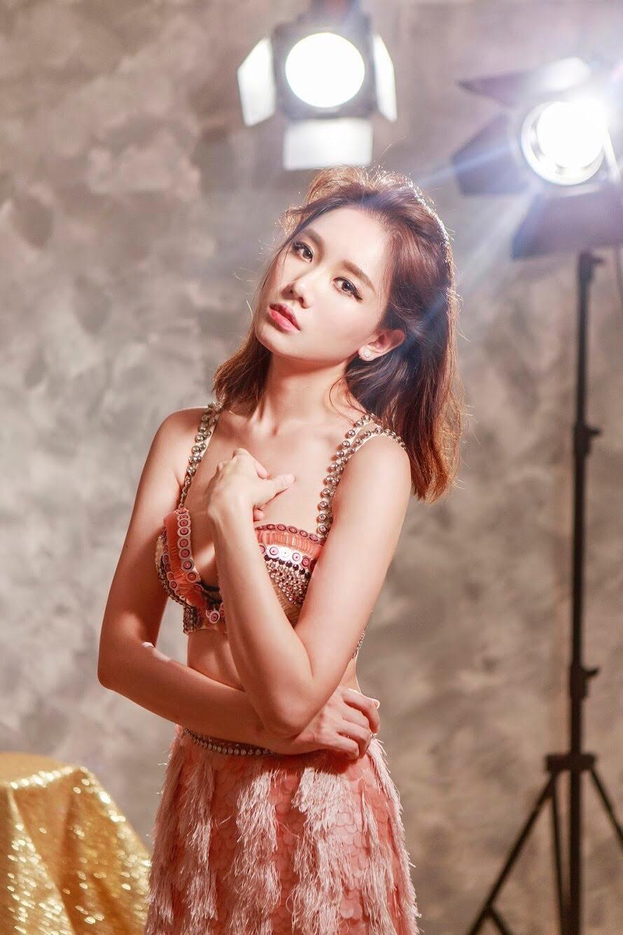 Hari Won tung ca khúc mới siêu lãng mạn để tỏ tình hot boy Tuấn Trần-6