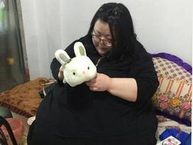 Hành trình cay đắng của người phụ nữ béo nhất Trung Quốc: Từng nặng 244 kg vừa giảm xuống 95kg