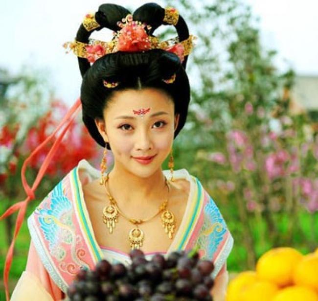 Gái mại dâm nổi tiếng Hy Lạp cổ đại: Kén khách mua vui, phạm tội vào tù vẫn được tha bổng nhờ vẻ đẹp thần thánh-3