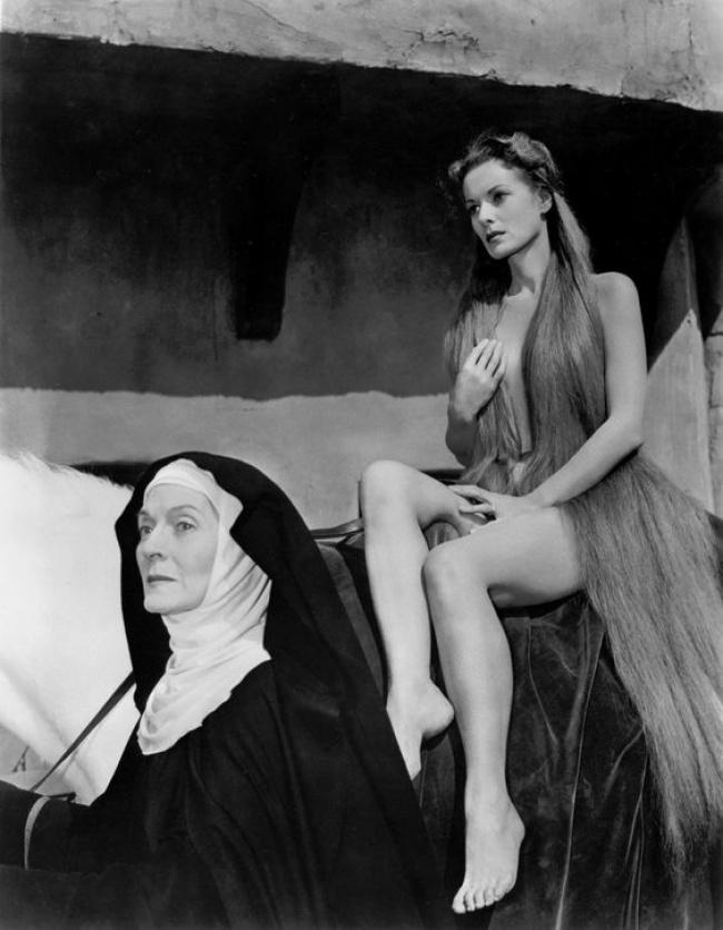 Gái mại dâm nổi tiếng Hy Lạp cổ đại: Kén khách mua vui, phạm tội vào tù vẫn được tha bổng nhờ vẻ đẹp thần thánh-4