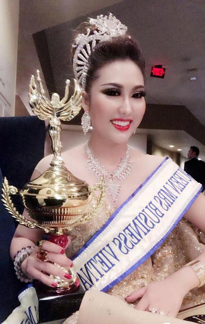 Hành trình trùng tu chóng mặt từ nhan sắc đến danh xưng hoa hậu của Phi Thanh Vân - ảnh 9