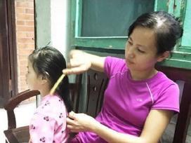 Người mẹ 'trẻ nhất làng' và ngôi nhà có 6 đứa con