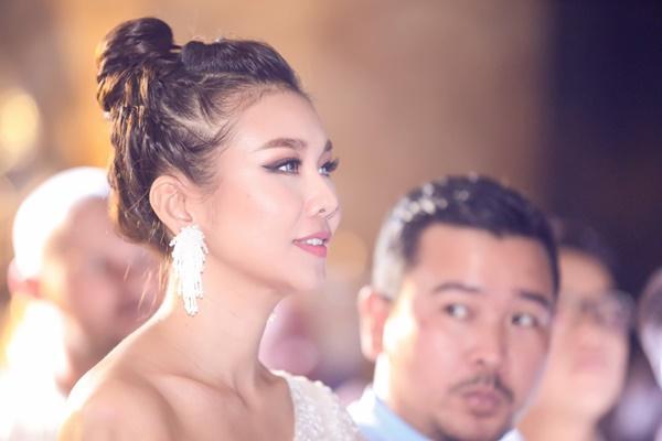 Mẹ chồng Thanh Hằng ngoài đời diện váy quyến rũ khác hẳn hình ảnh ghê gớm trong phim-8